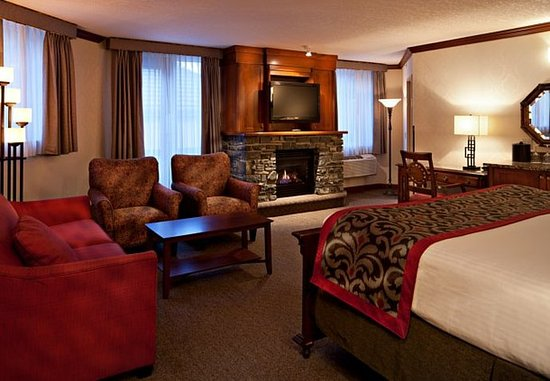 Delta Banff Royal Canadian Lodge: Executive King Suite