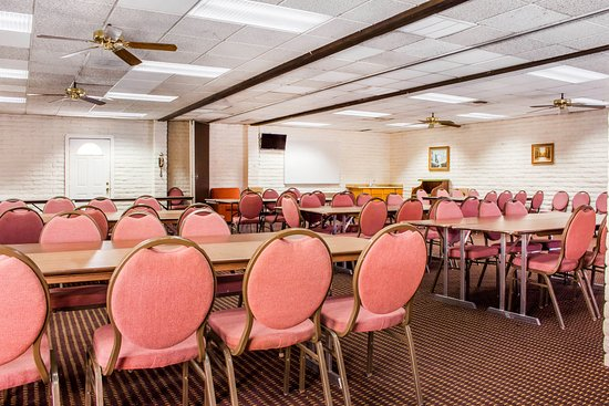 Ramada Tempe Near ASU: Meeting Room