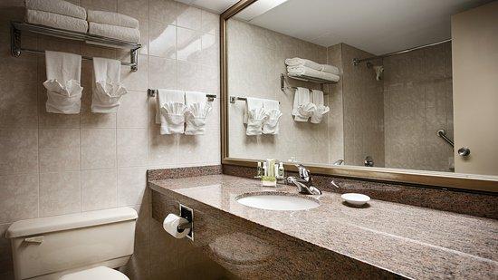 Best Western Plus Ottawa City Centre: Bathroom