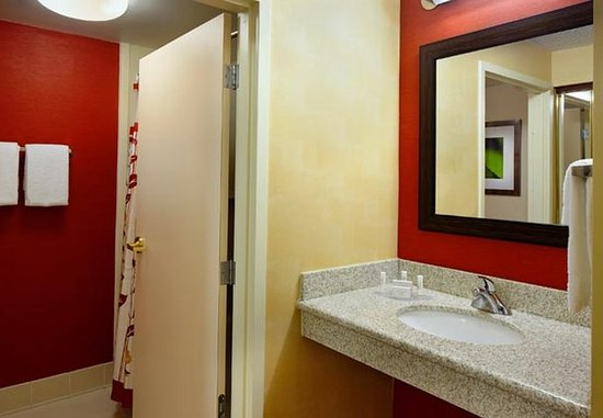 Willoughby, Ohio: Guest Bathroom