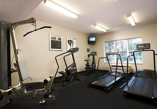 Hawthorne, CA: Fitness Center