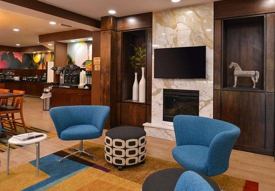 Jeffersonville, IN: Lobby Lounge