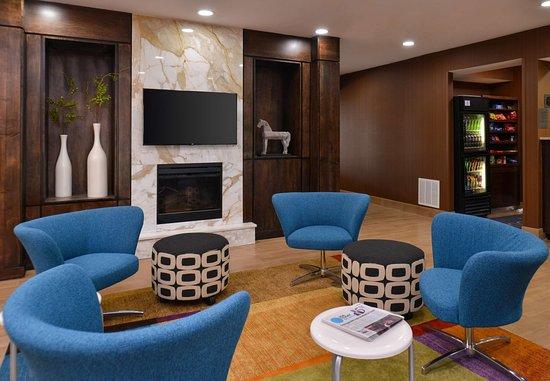 Jeffersonville, IN: Lobby - Fireplace