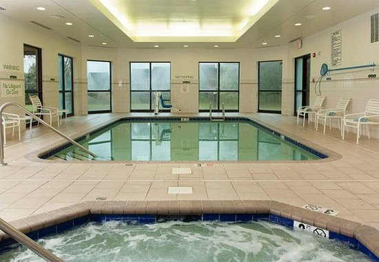 Gastonia, Carolina del Nord: Indoor Pool & Whirlpool