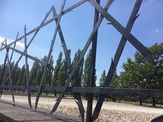 Dachau, Alemania: Las rejas de la muerte