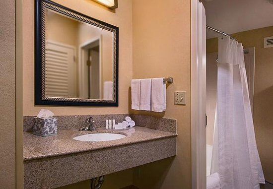Hunt Valley, MD: Suite Vanity