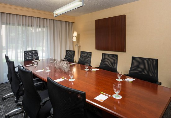 Wood Dale, IL: Boardroom