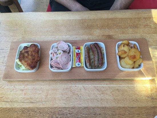 albrecht schnitzel de cerdo embutido aleman salchichas con sauerkraut y