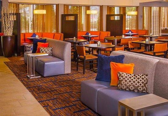 Courtyard Virginia Beach Norfolk: Lobby Seating Area