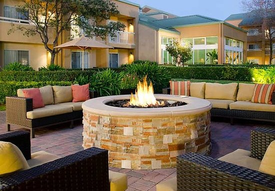Foster City, Califórnia: Outdoor Fire Pit