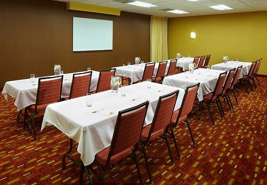 Bettendorf, IA: Meeting Rooms