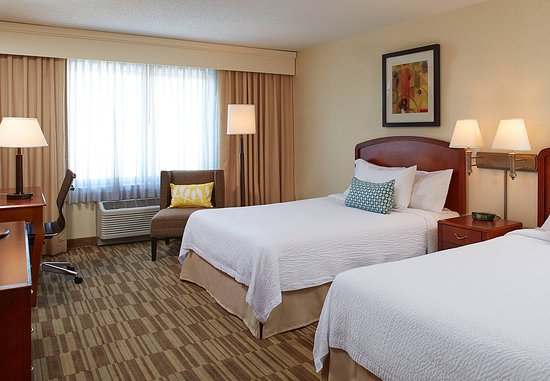 Englewood, Colorado: Queen/Queen Guest Room