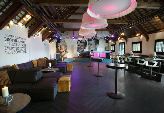 Hoofddorp, The Netherlands: Brothers2Club - Social Setup