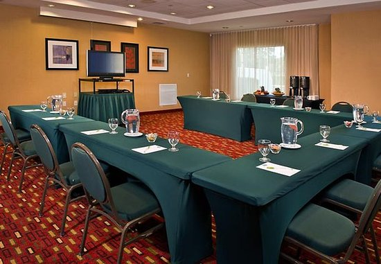 Ronkonkoma, Нью-Йорк: Block Island Meeting Room
