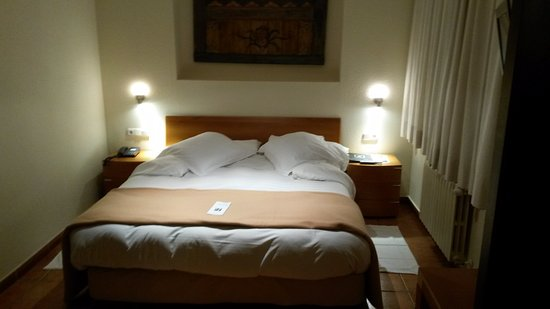 Sispony, Andorra: Cama Matrimonio