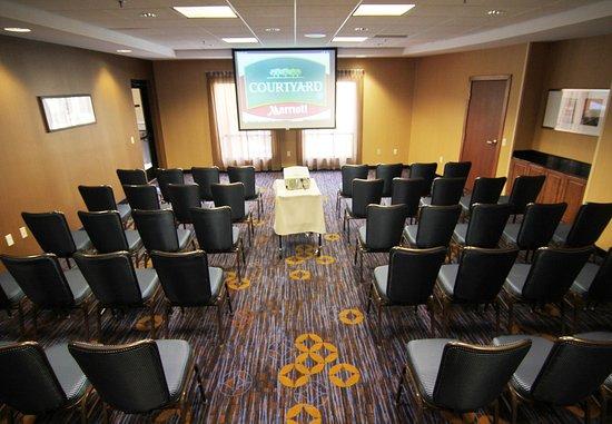 Moorhead, MN : Great Plains Meeting Room Chevron Set