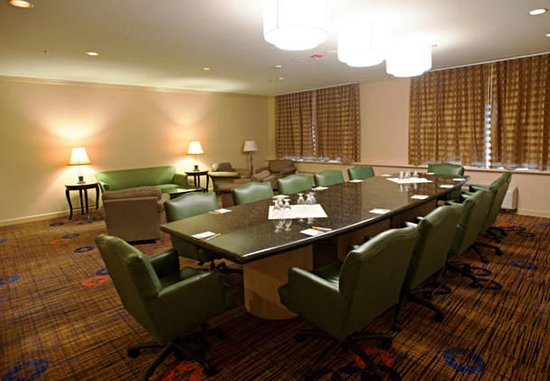 Baldwin Park, Kalifornia: Executive Boardroom