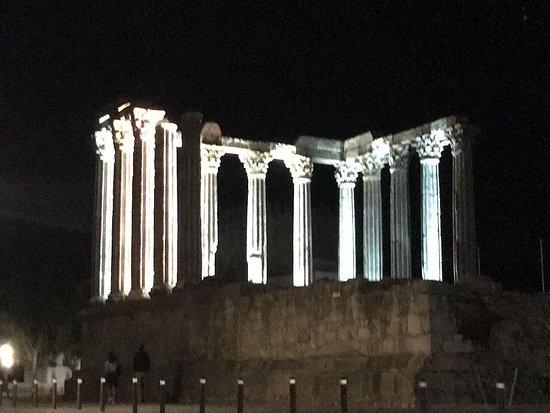 Templo Romano de Évora (Templo de Diana): Próximo a la Se de la encantadora Evora vestigios templo romano
