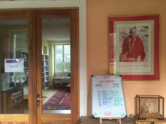 Ashram de Yoga Sivananda (Neuville aux Bois)   u044b u0432 u044b  u0444   TripAdvisor # Hotel Neuville Aux Bois