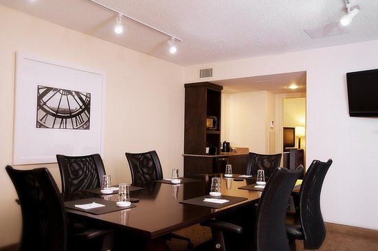 Embassy Suites by Hilton Memphis: Conference Suite Board Room