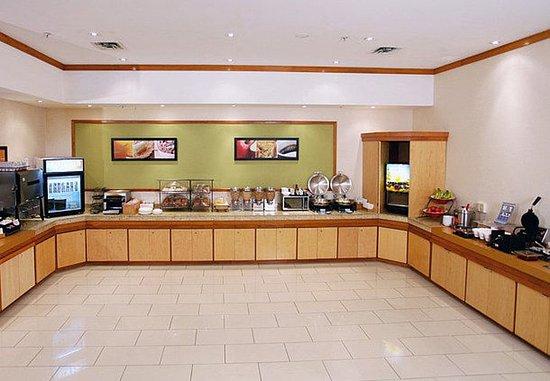 Belleville, Canadá: Breakfast Buffet
