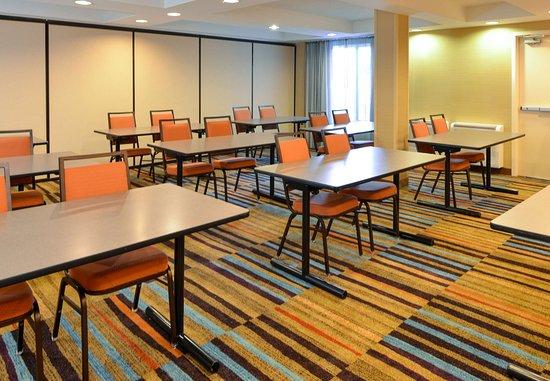 Georgetown, KY: Meeting Room - Classroom Setup