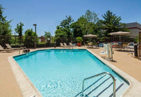 Laurel, Μέριλαντ: Outdoor Pool