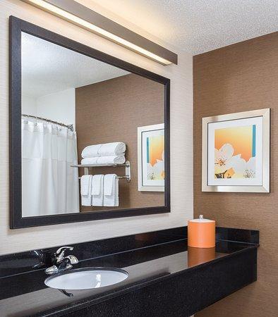 Muncie, IN: Guest Bathroom