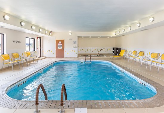 Muncie, IN: Indoor Pool & Whirlpool