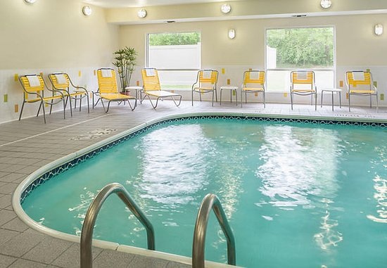 Jackson, MI: Indoor Pool & Whirlpool