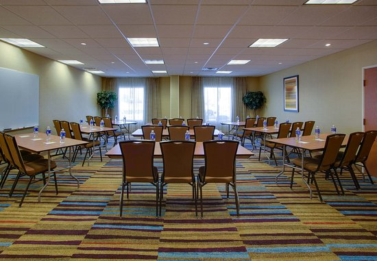 Edison, NJ: Meeting Room – Classroom Setup