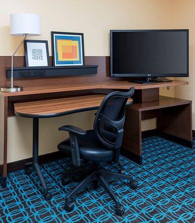 Lee's Summit, Миссури: Executive King Suite – Work Desk