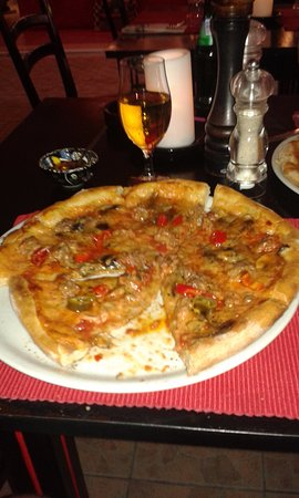 Peperoncino : My Pizza. Add your own chillies.