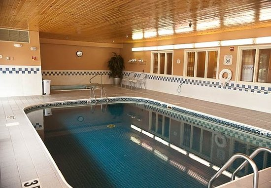 Brookings, Güney Dakota: Indoor Pool & Spa