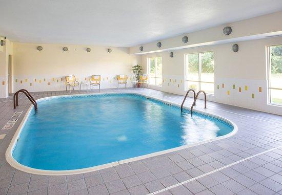 Terre Haute, IN : Indoor Pool & Whirlpool