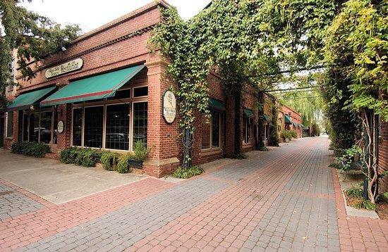 Aiken, SC: The Alley