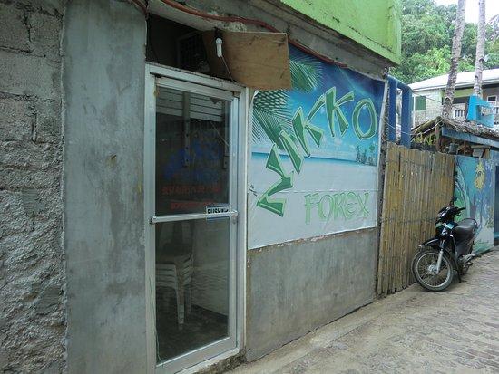 マライ, フィリピン, シーガイアからつながっている両替店はNO.1