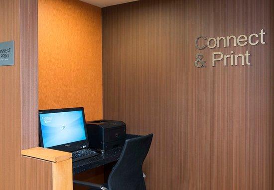 Okemos, ميتشجان: Business center