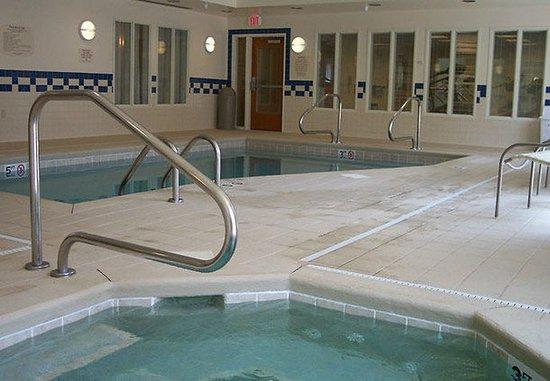 Effingham, IL: Indoor Pool & Whirlpool