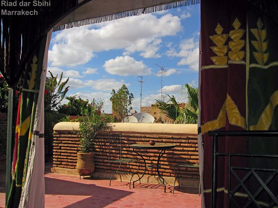 Riad Dar Sbihi: Lunch on the roof terraces