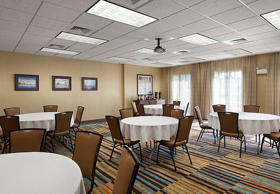 Elizabeth City, Carolina del Norte: McPherson Meeting Room – Banquet Setup