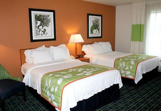 Fairmont, Batı Virjinya: Double/Double Guest Room