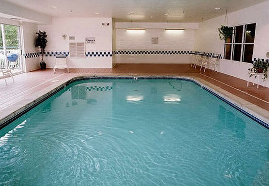 Saint Charles, MO: Indoor Pool