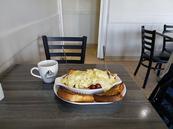Chute-aux-Outardes, Canadá: Restaurant Bar le Riviera