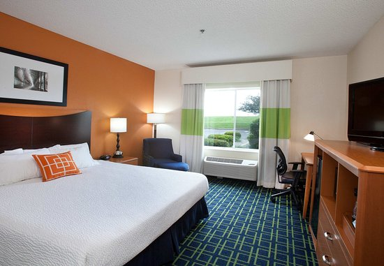 New Paris, OH: Executive King Guest Room