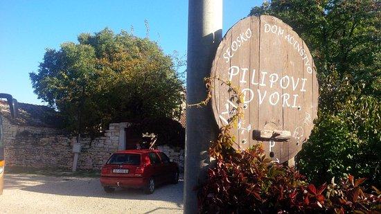 Drnis, Kroasia: Pilipovi dvori