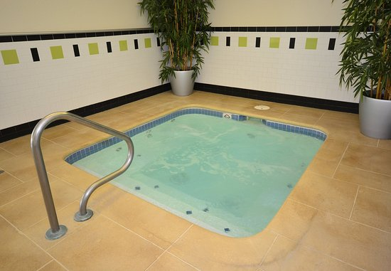 Jefferson City, MO: Indoor Whirlpool