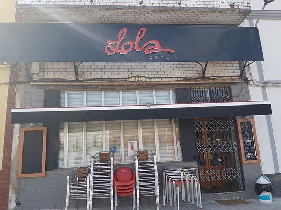 Monesterio, İspanya: Este es la fachada del sitio, no el que hacen constar en las fotos del establecimiento que se co
