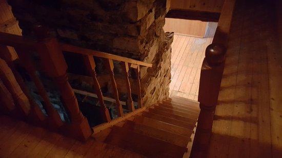 Saint-Jean-de-l'ile-d'Orleans, Canada: Escalier pour y accéder...