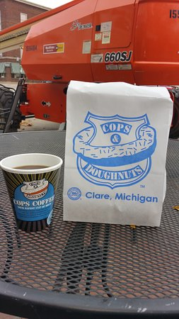 Clare, MI: Great cup of coffee and doughnut